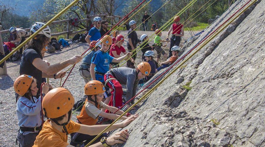 Arrampicata gruppi scuola Lago di Garda