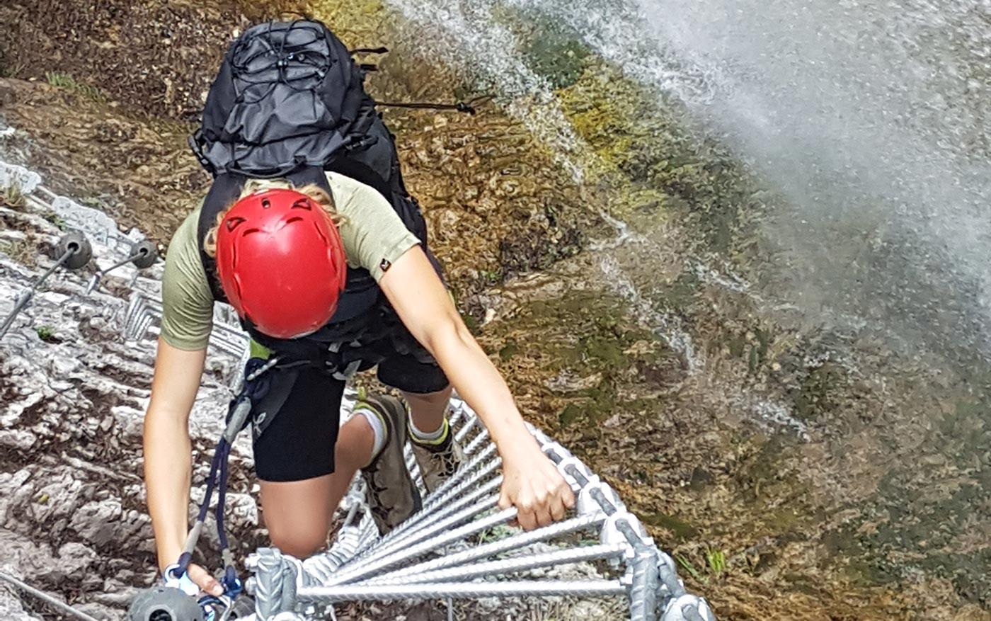 Salita verticale sulla Via ferrata Ballino Rio Ruzza