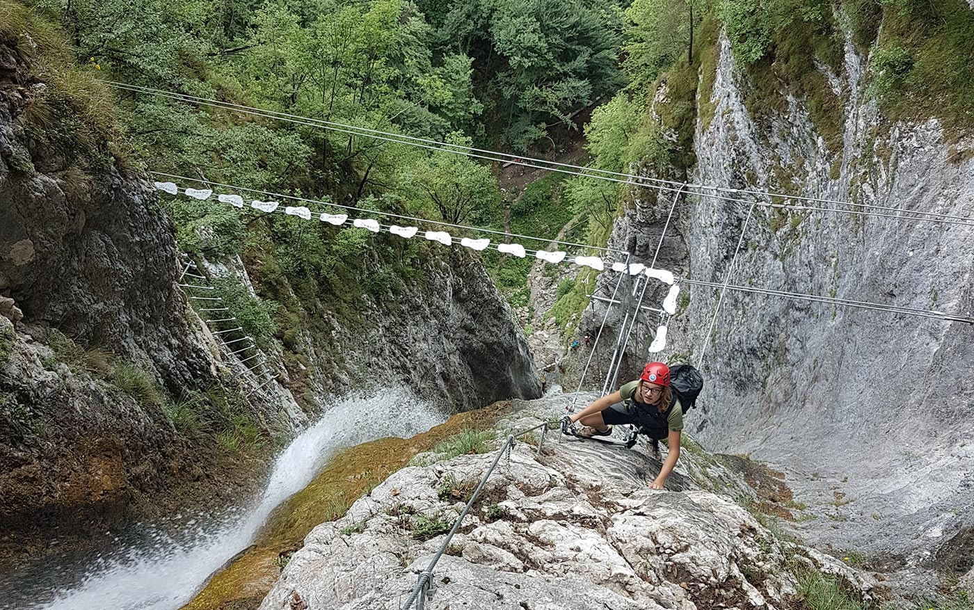Ponte tibetano sulla Via ferrata Ballino